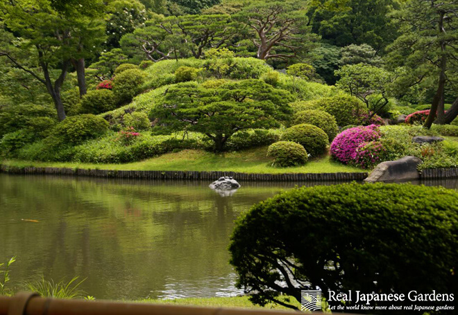 The central island in the pond of the Rikugien garden in Tokyo.